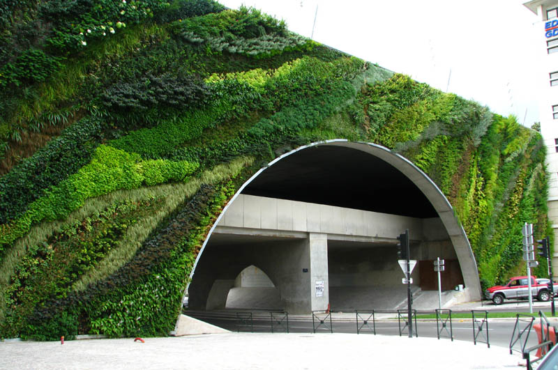 pont max juvenal aix en provence vertical wall garden 15 Incredible Vertical Gardens Around the World