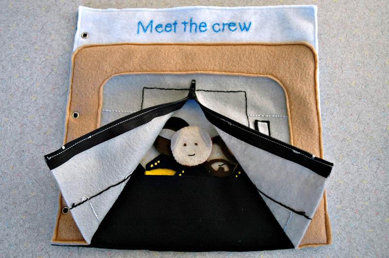 sewn felt star trek queit book for children 3 Awesome Star Trek Quiet Book for Kids
