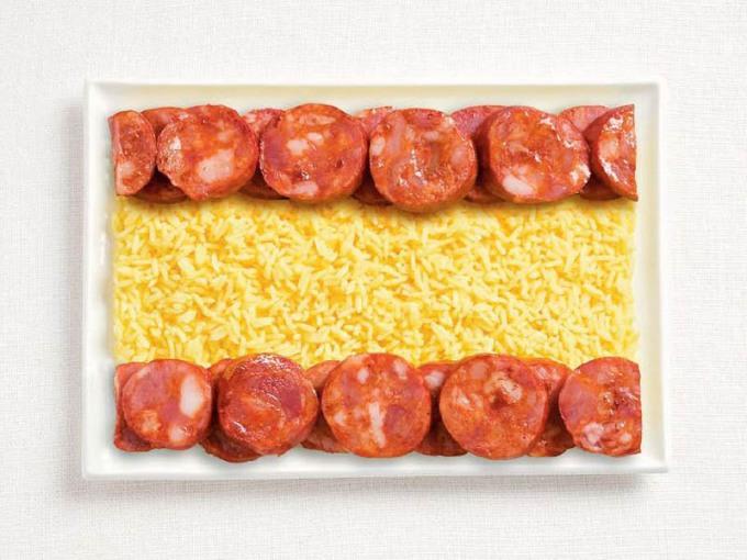 食品から作られたスペインの国旗食品から作られた18の国旗