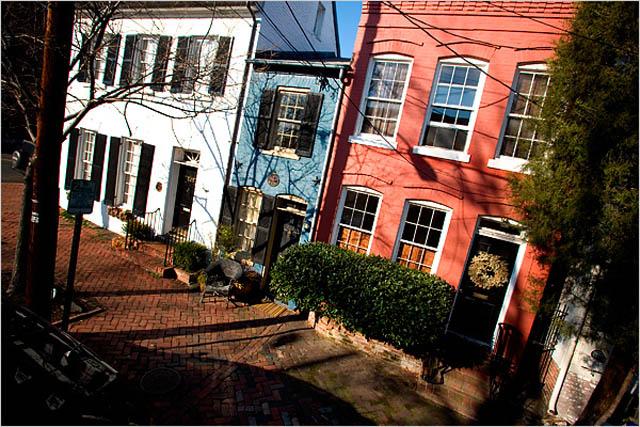 spite house alexandria virginia john hollensbury 8 Homes Built Out of Spite