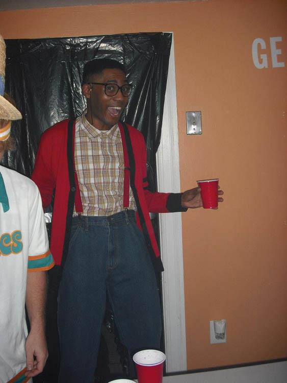 steve urkel hilarious halloween costume 25 Hilarious Halloween Costumes from the Weekend