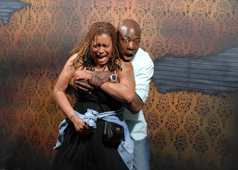 terrified people at nightmares fear factory 7 21 Hilarious Pics of Terrified People at Nightmares Fear Factory