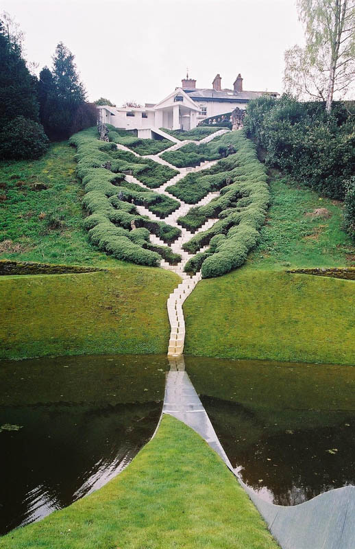 garden of cosmic speculation charles jencks 16 The Garden of Cosmic Speculation [23 pics]