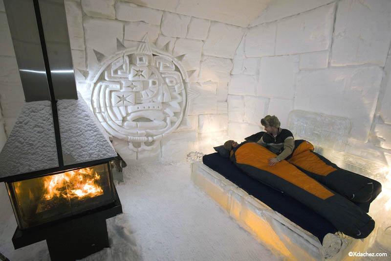 Hotel de glace north america s only ice hotel twistedsifter for Chambre hote quebec