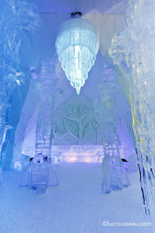 hotel de glace north america s only ice hotel twistedsifter. Black Bedroom Furniture Sets. Home Design Ideas