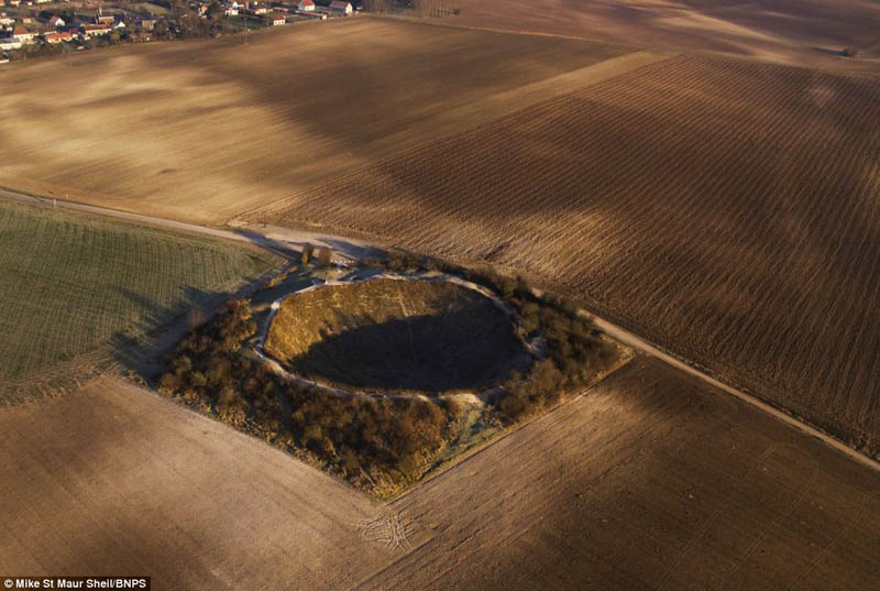 lochnagar crater somme france wwi 2 Picture of the Day: Never Forgotten   The Lochnagar Crater