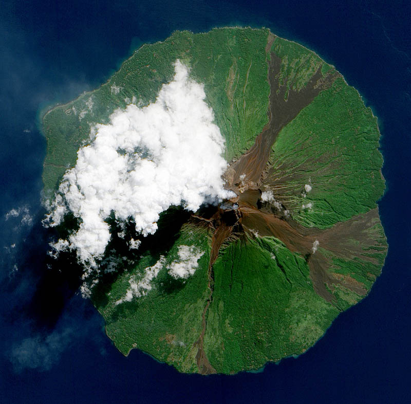 manam volcano papua new guinea 15 Mind Blowing Featured Images by NASA