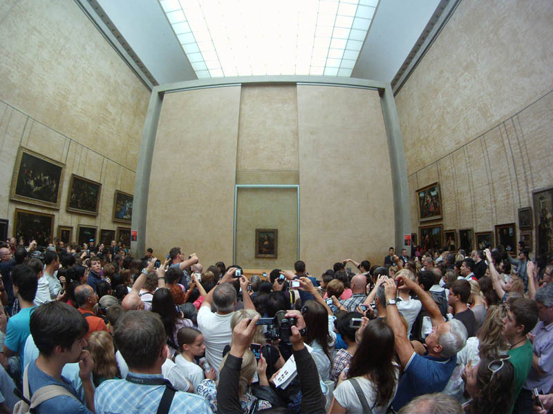 the mona lisa experience at the louvre Picture of the Day: The Mona Lisa Experience