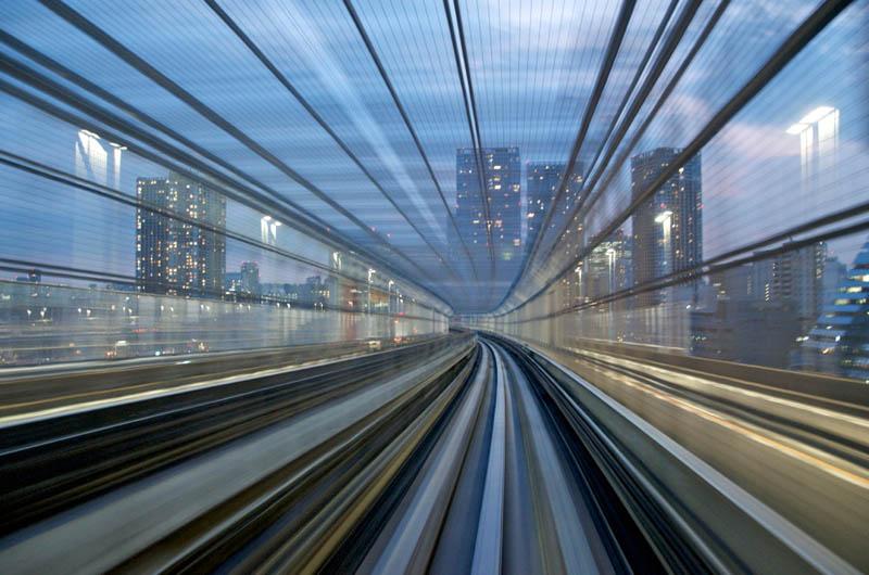 capturing speed on high speed train tokyo appurupai Capturing Speed on a Tokyo Train [15 pics]