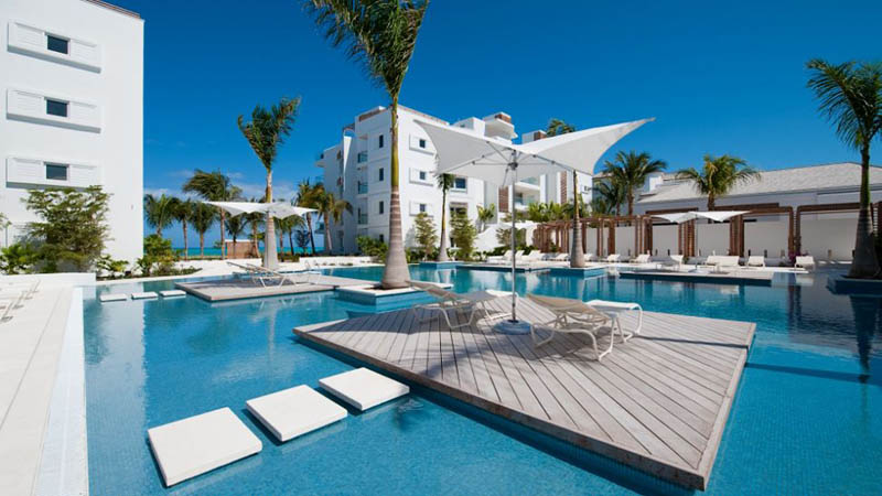 The Beaches and Resorts of Turks and Caicos [40 photos] «TwistedSifter