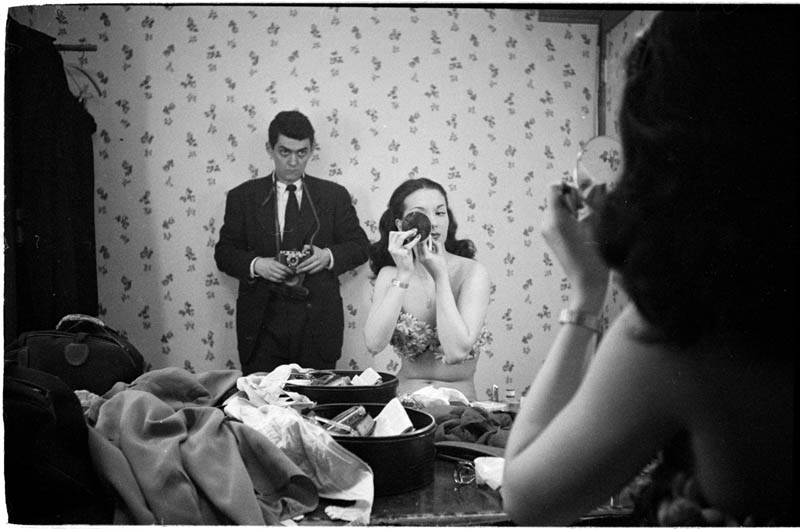photographs by stanley kubrick look magazine life in new york 40s 10 Blending Day and Night into a Single Photograph