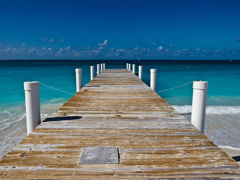 turks and caicos long pier dock The Beaches and Resorts of Turks and Caicos [40 photos]