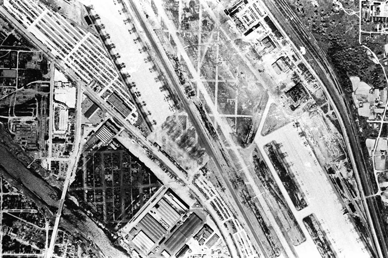boeing plant hidden netting ww2 2 Hiding Air Bases, Factories and Plants in WWII