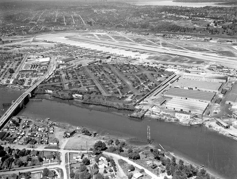 boeing plant hidden netting ww2 4 Hiding Air Bases, Factories and Plants in WWII