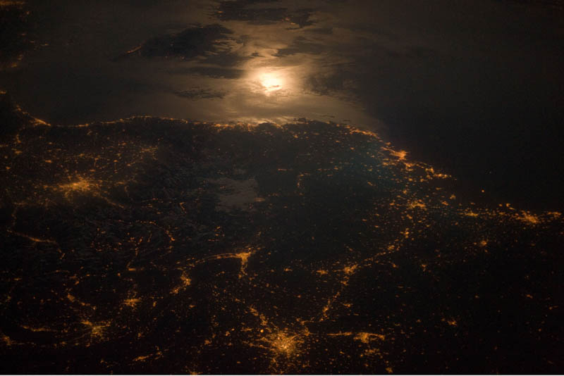 city lights france italy border at night from space nasa Earth at Night: 30 Photos from Space