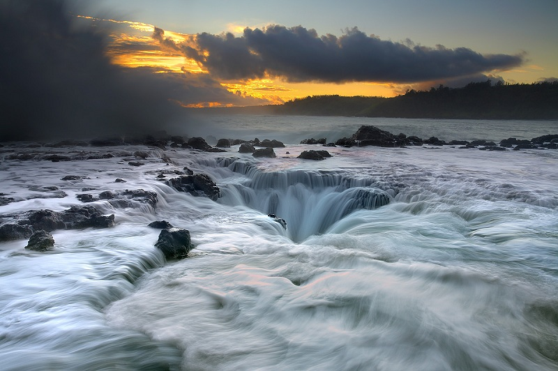 maelstrom kauai hawaii 2 The Top 50 Pictures of the Day for 2012