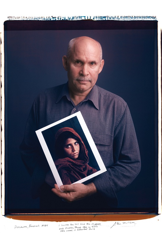 steve mccurry young woman from peshwar pakistan with eyes copy Portraits of Iconic Photos and the Photographers that took them