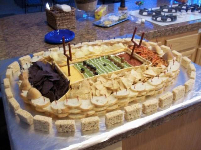superbowl snack stadiums 3 The Best Super Bowl Snack Stadiums Ever