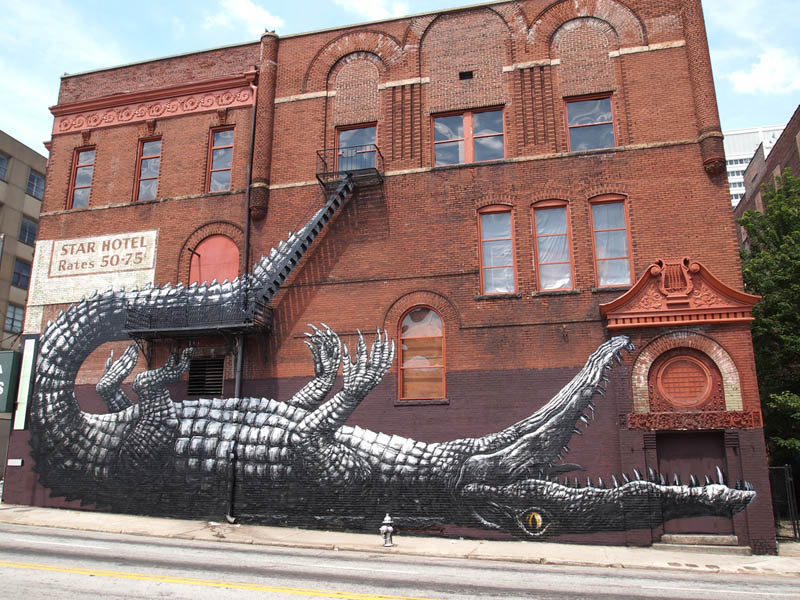 Picture of the Day: Alligator Street Art