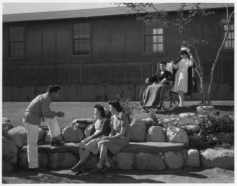 ansel adams life on japanese internment camps wwii manzanar 27 Ansel Adams Captures Life on a Japanese Internment Camp