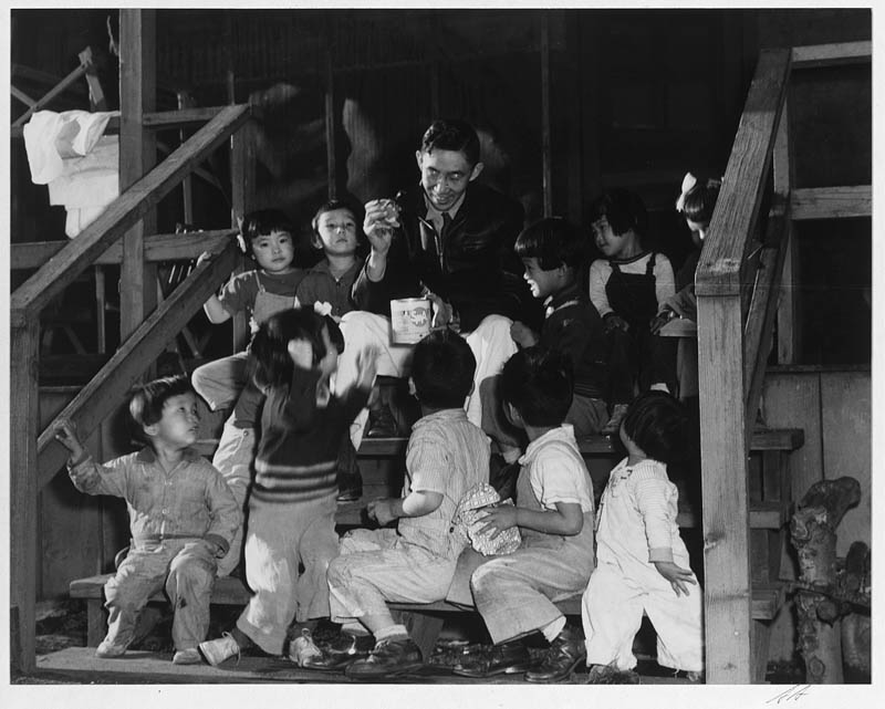 ansel adams life on japanese internment camps wwii manzanar 34 Ansel Adams Captures Life on a Japanese Internment Camp