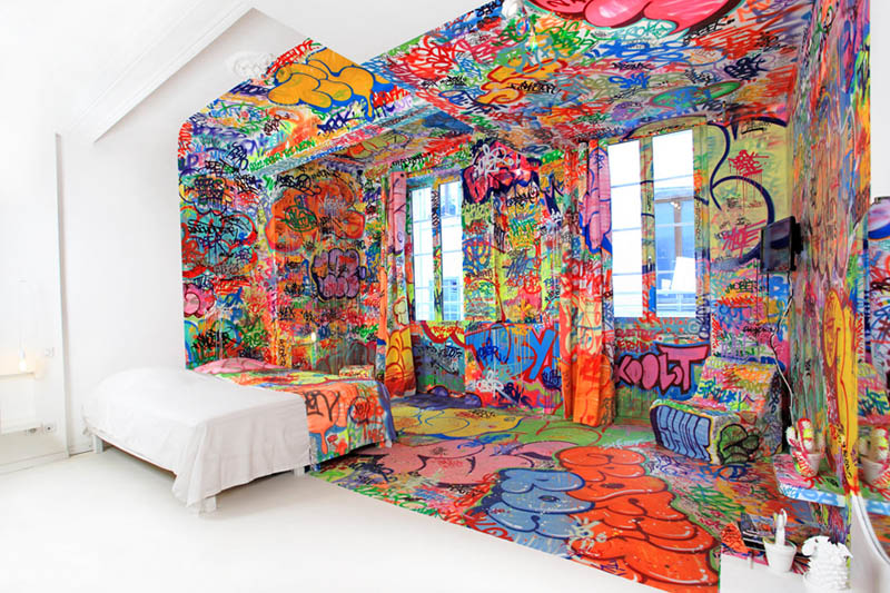half white half graffiti hotel room by tilt in france 1 The Half White, Half Graf Hotel Room in France