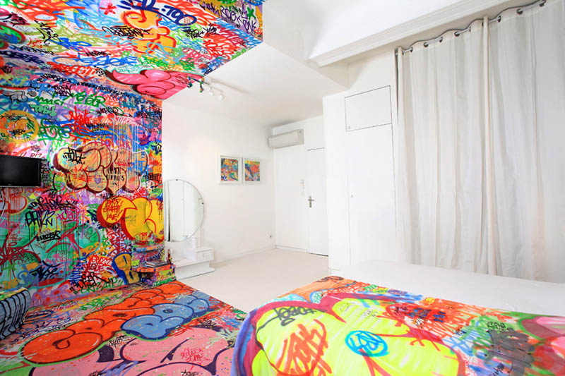 half white half graffiti hotel room by tilt in france 3 The Half White, Half Graf Hotel Room in France