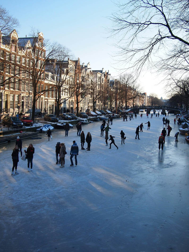 ice skating amsterdam frozen canals netherlands holland 1 Ice Skating the Famous Canals of Amsterdam