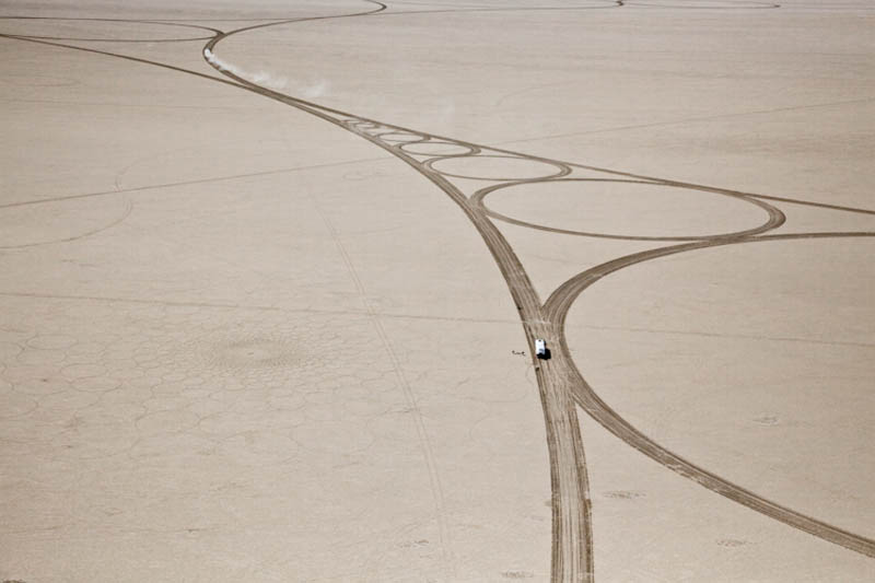 jim denevan giant earth land art 13 The Colossal Land Art of Jim Denevan [30 pics]