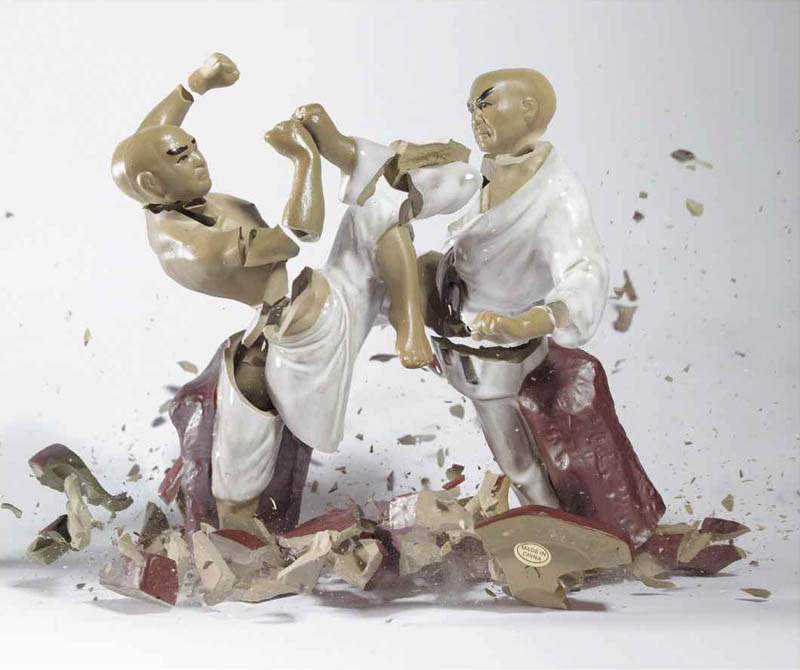 porcelain figures high speed photography as they smash drop to ground shatter klimas 1 21 Photos that Capture the Exact Moment of Impact