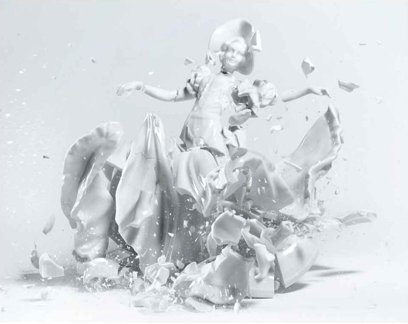 porcelain figures high speed photography as they smash drop to ground shatter klimas 4 Porcelain Metamorphosis by Martin Klimas