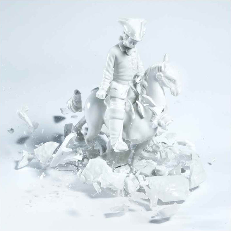 porcelain figures high speed photography as they smash drop to ground shatter klimas 5 Porcelain Metamorphosis by Martin Klimas