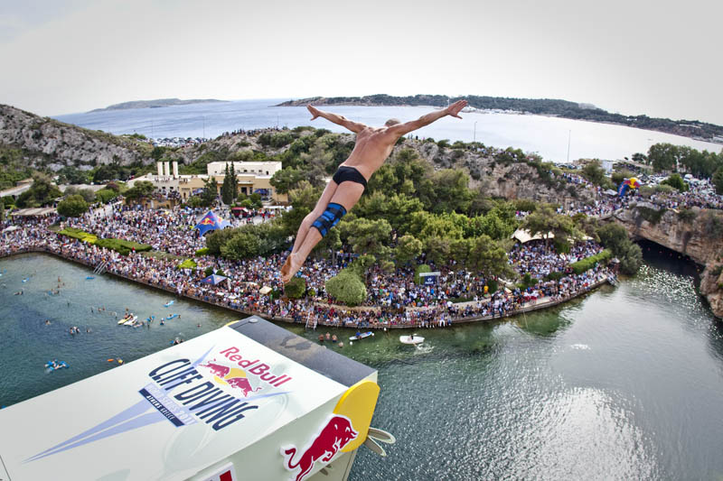 red bull cliff diving world series 2011 18 25 Jaw Dropping Photos from the Red Bull Cliff Diving World Series