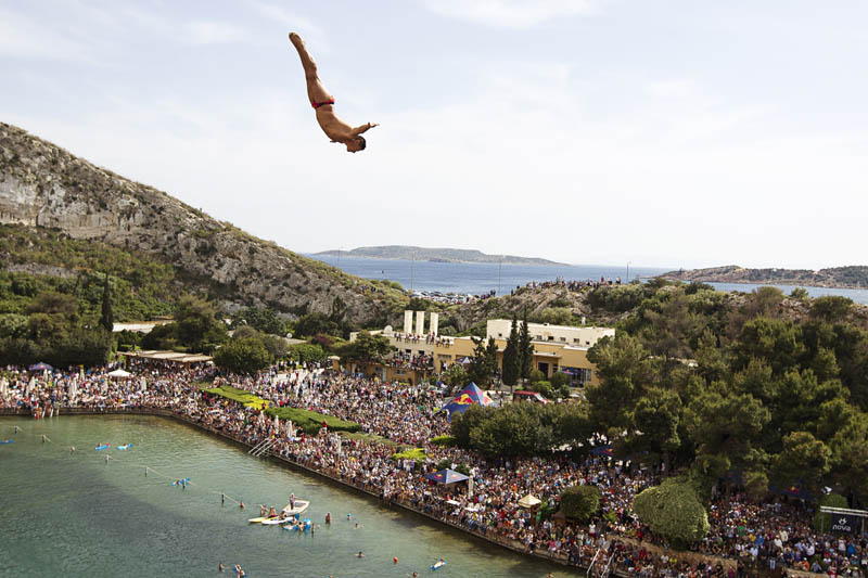 red bull cliff diving world series 2011 20 25 Jaw Dropping Photos from the Red Bull Cliff Diving World Series
