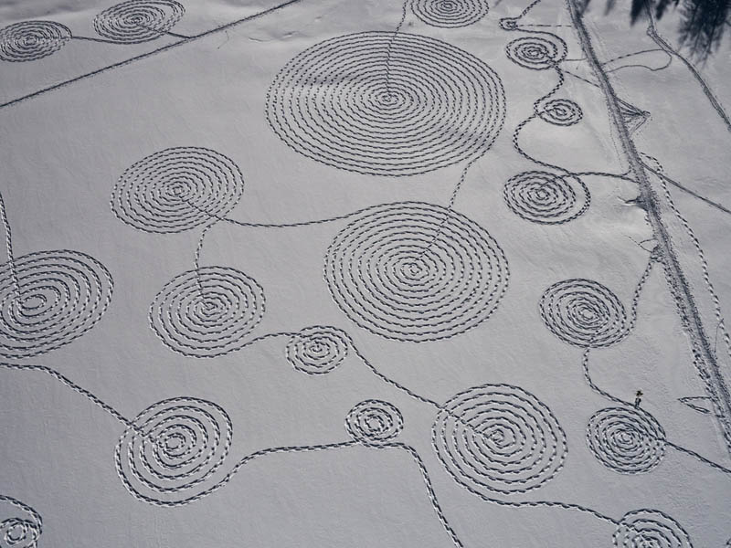 snow circle drawings with snowshoes snoja hinrichsen steampboat springs rabbit ears pass 6 Giant Snow Art Made with Snowshoes by Sonja Hinrichsen