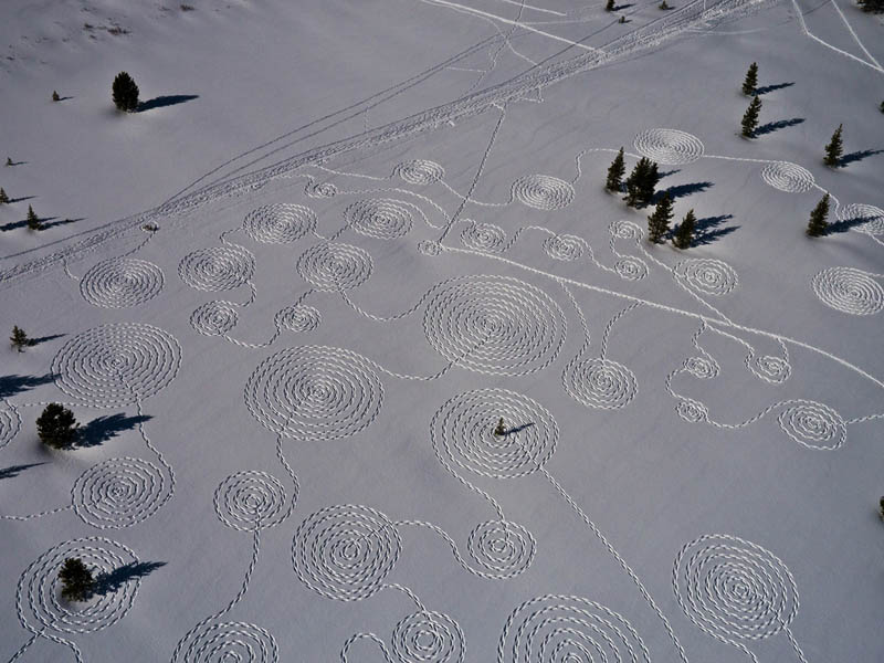 snow circle drawings with snowshoes snoja hinrichsen steampboat springs rabbit ears pass 8 Giant Snow Art Made with Snowshoes by Sonja Hinrichsen