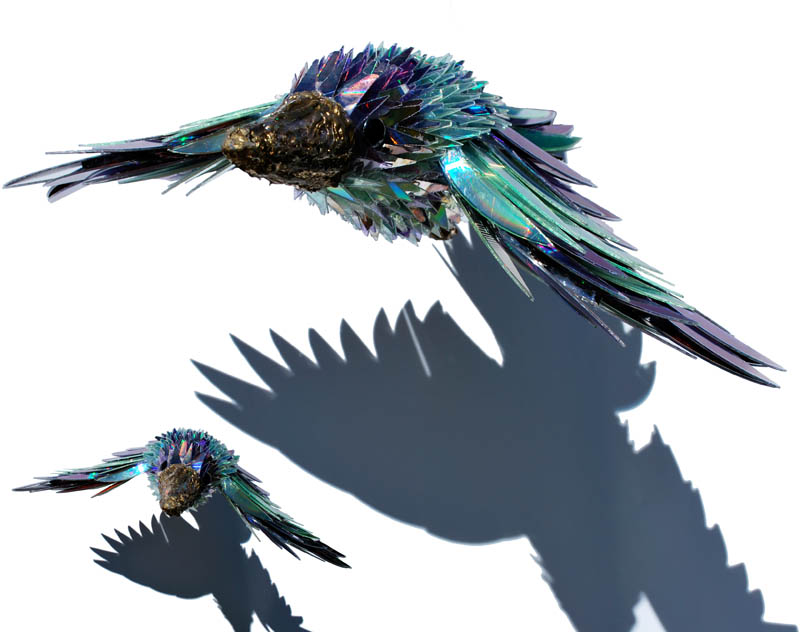 animal sculptures made from shattered cds sean avery 6 10 Amazing Animals Sculptures Made from Shattered CDs