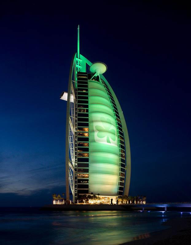 burj khalifa green st patricks 12 Places Around the World That Turn Green for St. Patricks Day
