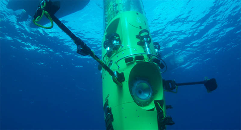 deep sea challenger underwater james cameron sub 2 The Solar Powered Boat that Circumnavigated the World