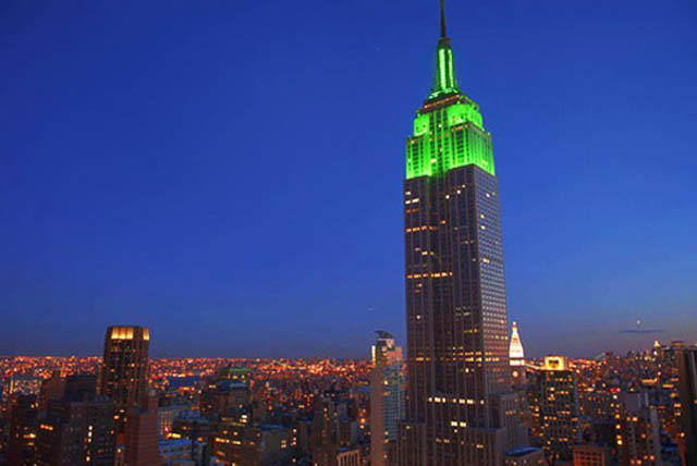 empire state building green st patricks day 12 Places Around the World That Turn Green for St. Patricks Day