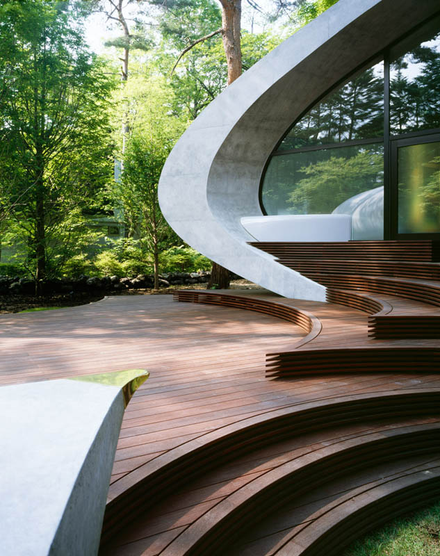 japanese oval sushi roll house villa cottage 12 An Oval Shaped Villa in the Forests of Japan