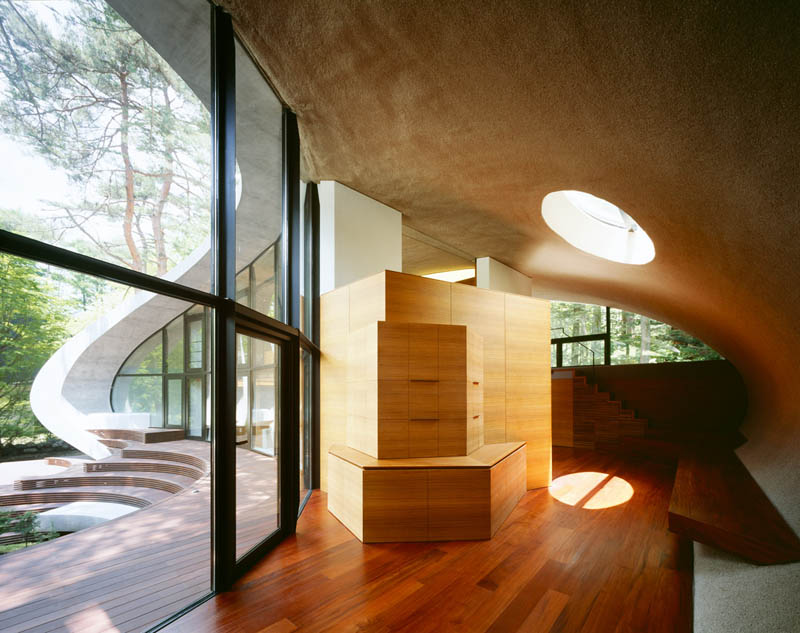 Tremendous An Oval Shaped Villa In The Forests Of Japan Twistedsifter Download Free Architecture Designs Sospemadebymaigaardcom