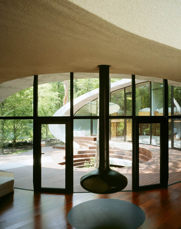 japanese oval sushi roll house villa cottage 18 An Oval Shaped Villa in the Forests of Japan