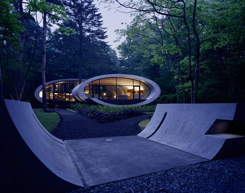 japanese oval sushi roll house villa cottage 2 An Oval Shaped Villa in the Forests of Japan