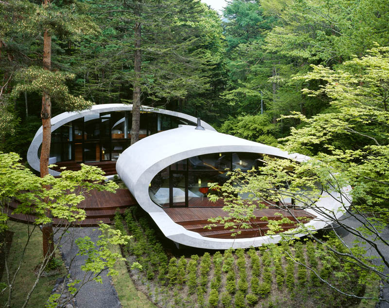 japanese oval sushi roll house villa cottage 4 An Oval Shaped Villa in the Forests of Japan