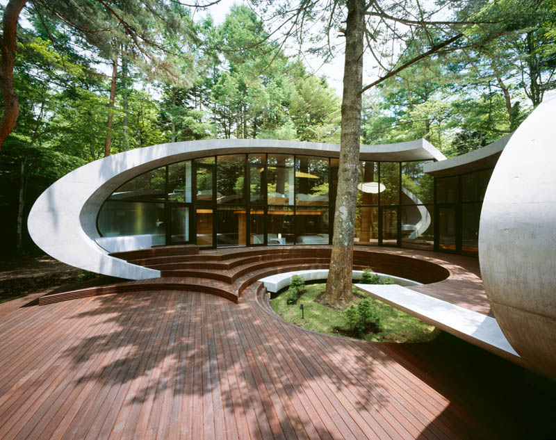 japanese oval sushi roll house villa cottage 9 An Oval Shaped Villa in the Forests of Japan