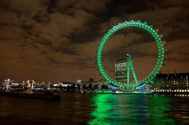london eye green st patricks day 12 Places Around the World That Turn Green for St. Patricks Day