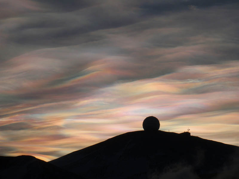 nacreous clouds antarctica 15 Incredible Cloud Formations