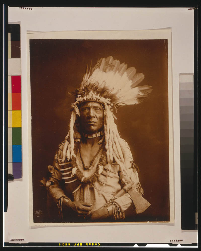 native american portraits by edward s curtis early 1900s 12 Portraits of Native Americans from the Early 1900s