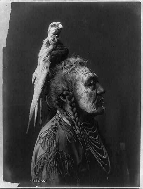 native american portraits by edward s curtis early 1900s 18 Portraits of Native Americans from the Early 1900s